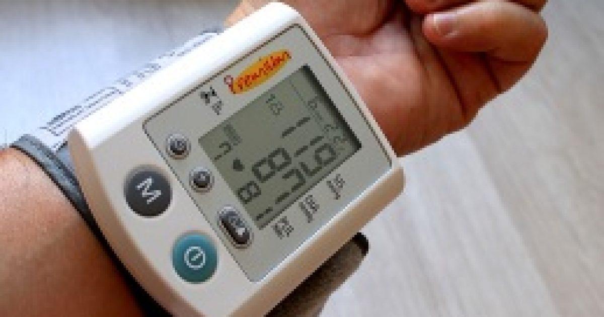 a csoportba vett magas vérnyomással magas vérnyomás egy fiatal lánynál