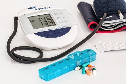 magas vérnyomás gyomorfájás