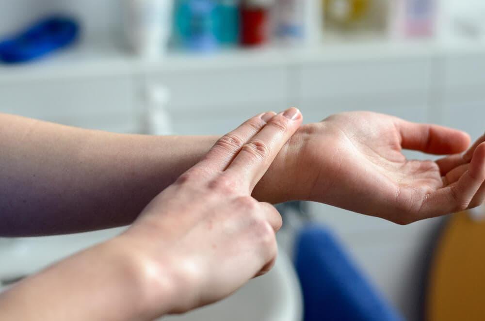 pulzus és nyomás hipertóniával mit kell tenni szédül állandóan magas vérnyomás