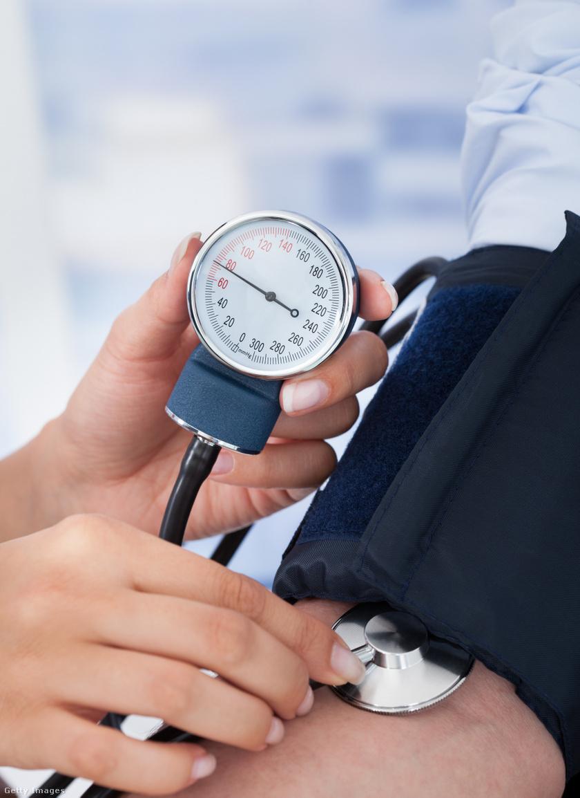 magas vérnyomás szédül
