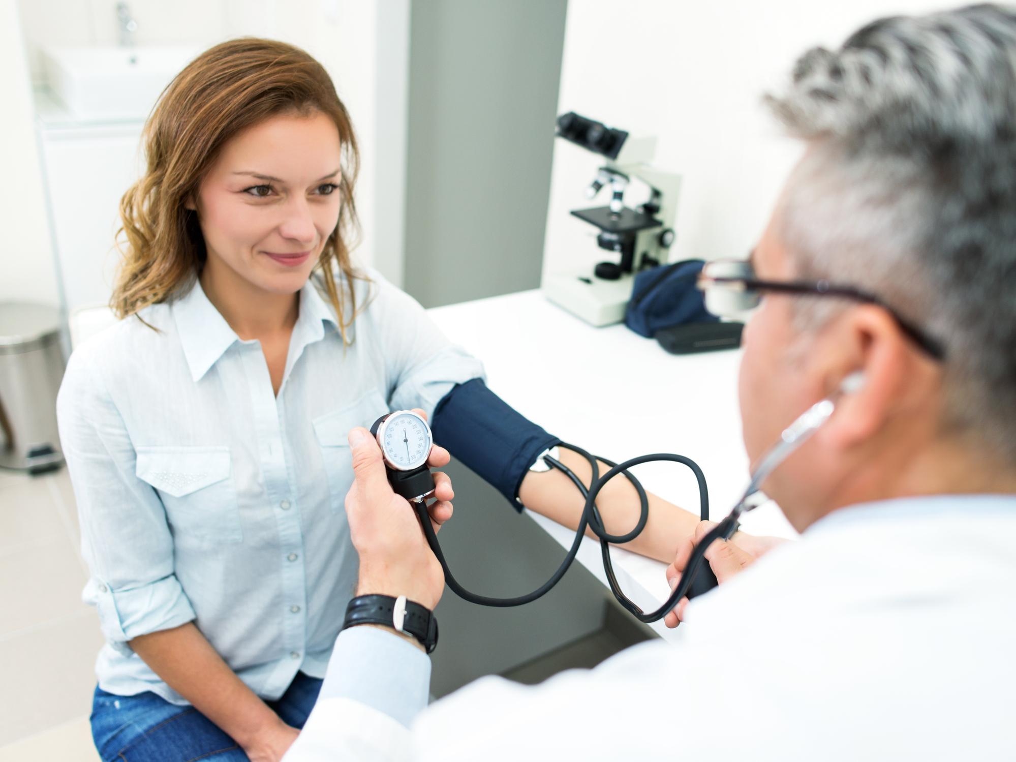 Vérnyomáscsökkentő gyógyszerek ampullákban. Kiegészítők magas vérnyomáshoz