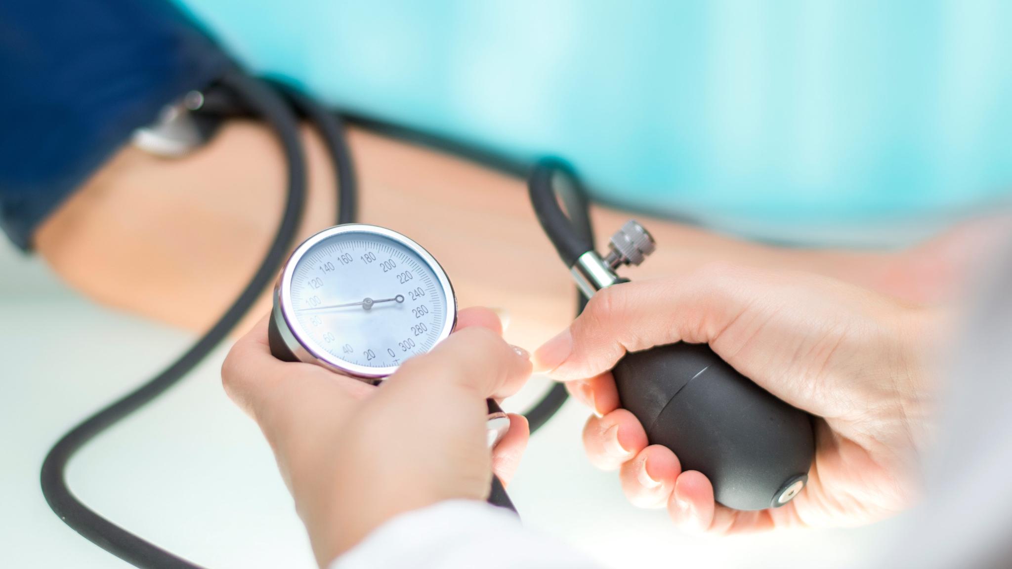 ambulancia magas vérnyomás standard