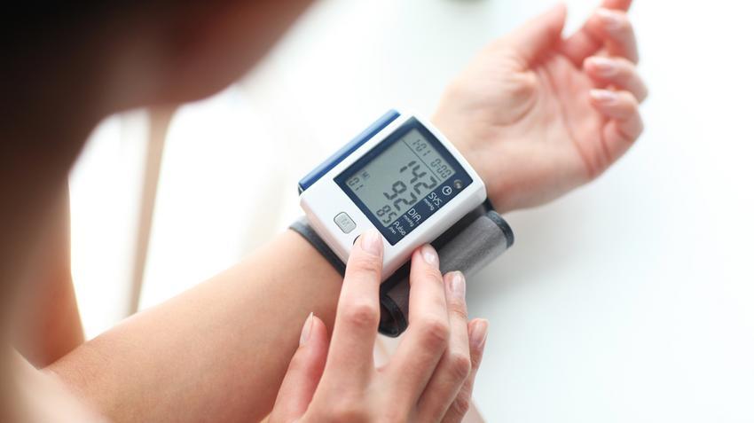 magas vérnyomás és barométer