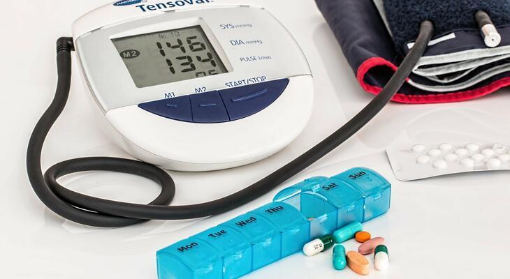 mennyi ideig kell gyógyszert szedni a magas vérnyomás ellen