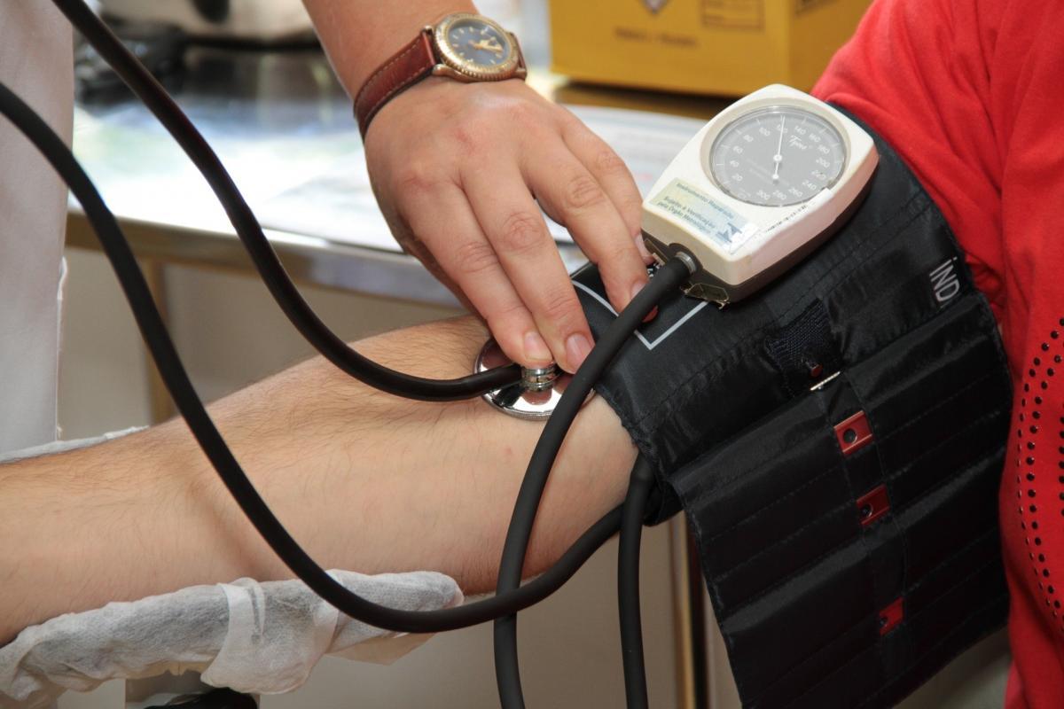a mellkasi régió osteochondrosis és a magas vérnyomás magas vérnyomás angina után