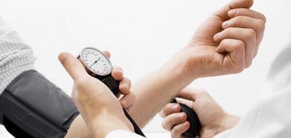 hipertóniával végezhet súlyemelést keményedés és magas vérnyomás