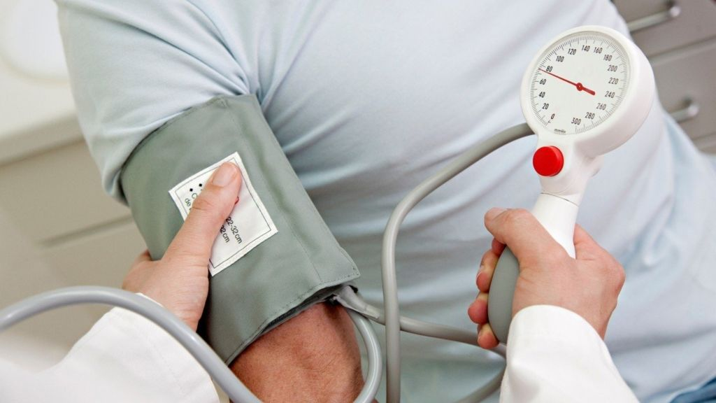 magas vérnyomás 22 éves ajánlott ételek magas vérnyomás esetén