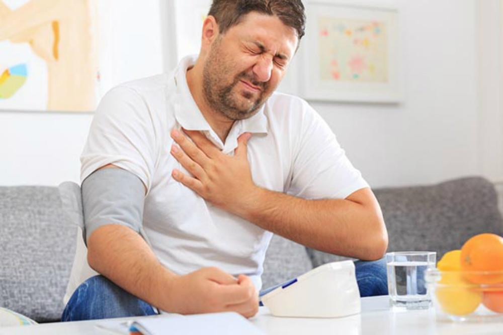 magas vérnyomás férfiak jeleiben magas vérnyomás 2 fokozat 3 fokozat kockázat