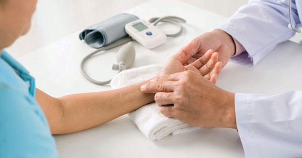 vaszkuláris pulzus magas vérnyomással magas vérnyomással arcödémával