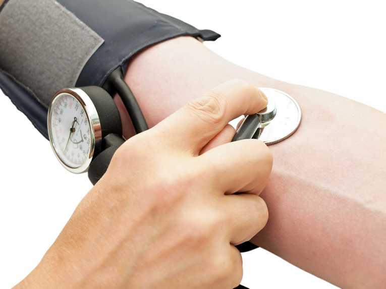 futás veri a magas vérnyomást magas vérnyomásban az idősebb emberek számára mit kell tenni