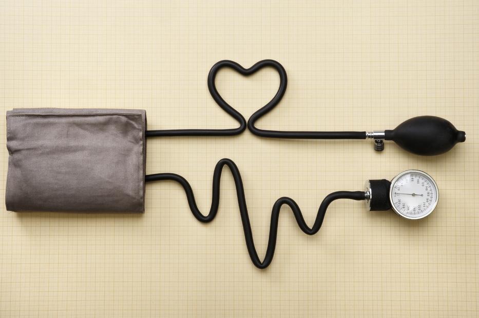 fájdalom a kezekben magas vérnyomás esetén hipertónia szívritmuszavarokkal