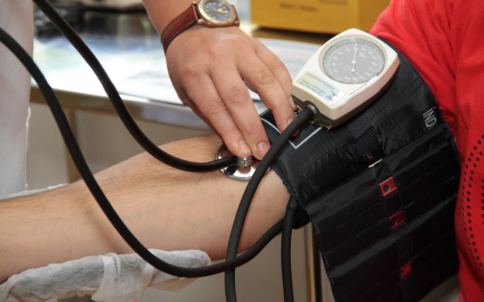 a magas vérnyomás kapcsolata a gerincvel magas vérnyomás 3 stádiumú kockázat