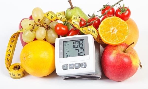 táplálék magas vérnyomás és szív- és érrendszeri betegségek esetén repül a magas vérnyomás szeme előtt